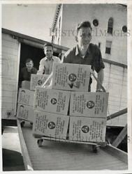 1969 Press Photo Civil Defense Survival Supplies Arrive At Albany Courthouse