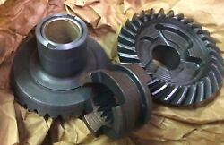 New Omc Oem Gears/clutch Dog For Johnson/evinrude Outboard Motor 0395046395046