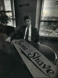 1992 Press Photo Milwaukee- Robert C. Bourgeois With Antique Burma Shave Sign.