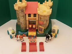Play Family Castle 993 Vintage Fisher Price Little People