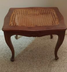 Vintage Accent Table Cane Top Walnut Wood Queen Anne. Style Louis Xv Bench W/tag
