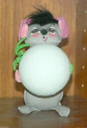 Annalee 7 Mouse W/snowball 1967 Vintage