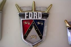 1955 Ford Fairlane New Trunk Crest Emblem And Retainer Sunliner Crown Victoria