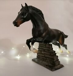 Starlight Breyer traditional scale model good condition with jump