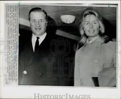 1965 Press Photo Henry Ford Ii And Bride Maria Cristina Arrive At London Airport