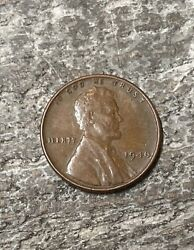 1946 Lincoln Wheat Penny. No Mint Mark One Cent Coin