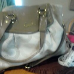 Large Used Womans Coach Leather Bag2 Big Pockets +2 Others Pockets In Side