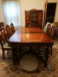 Antique Dining Room Furniture-hilite 45.table Is 60 X 44. Has 2 -12 X 44 Leaves