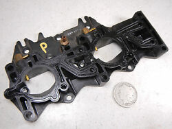 99 Omc Evinrude 115 Port Left Side Intake Manifold Plate Asy
