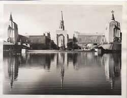 Large 1939 Ggie World's Fair Photo Of Lake Of Nations And Buildings 8