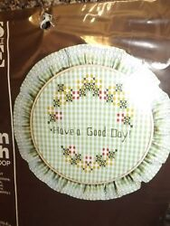 Vtg 1983 NEW Green White Gingham 7quot; Hoop Frame Chicken Scratch Embroidery Kit