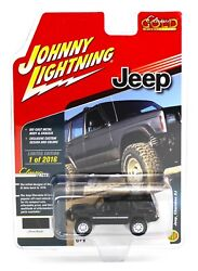 Johnny Lightning *BLACK* JEEP CHEROKEE 4x4 *2018 mc2 toys EXCLUSIVE* 1 of 2016