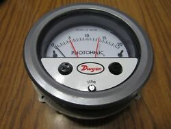 New Dwyer 3020mr Photohelic Pressure Switch N09t 0-20 Water