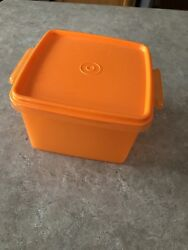 Tupperware Square Away Sandwich Keeper Container 1674 Orange Used Once