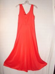Vanity Fair Red Lingerie Night gown ~ gorgeous timeless design ~ size 34 bust