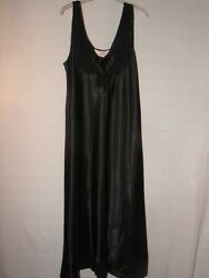 gorgeous New with tag LA Lingerie Black Night Gown ~  timeless design size Large