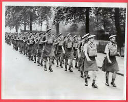1939 Scottish Troops on Parade on London England Street 7x9 Original News Photo