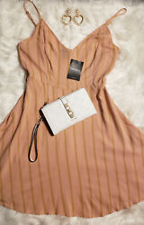 Forever 21 Women's Blush Woven fit and flare Medium dress Cute pretty loose