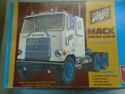 New Amt T553 Mack Schlitz Beer Truck And Trailer T554 Old Stock