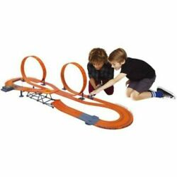 Hot Wheels Zero Gravity Set with 24.9ft Track - 1:43 Scale