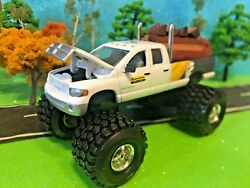 1/64 Custom Lifted Dodge Ram 2500, Ertl, New Holland, Agriculture, Fam Toy