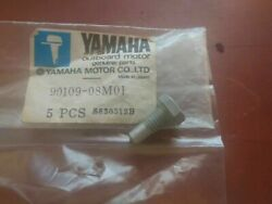 New Old Stock Oem Yamaha Outboard 90109-08m01-00-00 Steering Control Bolt G
