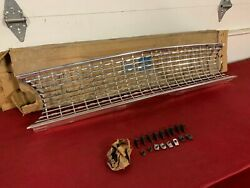 Nos 1963 Ford Fairlane Grille C3oz-8200-b Fomoco 63 Sports Coupe 500