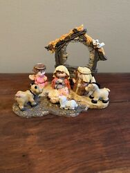 Giftco Inc. Nativity Carved And Handpainted Polystone Nib 6549