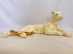 Vintage 1950and039s Ceramic Lying Panther Statue White Iridescent Gold Trim 18