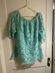 Ire Brand mint green shirt. Can Be Worn Off Shoulder. Heavy Weight With Lining $26.00