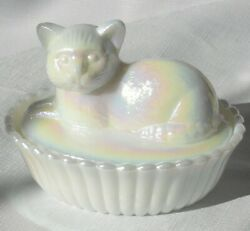 Rare Vintage Westmoreland Glass White Mother Of Pearl Iridescent Cat Candy Dish