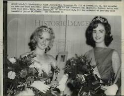 1962 Press Photo Bettye Epperson And Karen Anne Crouch Named Beautiful Majorette