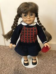 Pleasant Company American Girl Molly Mcintire Doll, Outfits, And Books