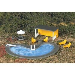 Bachmann 42215 Ho-scale Swimming Pool With Chairs, Shelter Tables Accessories
