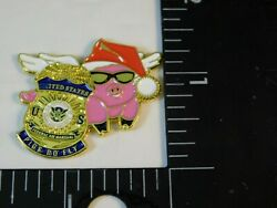 United States Federal Air Marshal Fam Christmas Hat Pigs Do Fly Badge Pin Bg85
