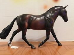 Breyer Model Police Horse quot;Trooperquot; 1:9 Traditional Scale Collectible