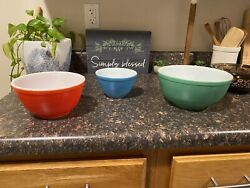 Set Of 3 Vintage Pyrex Nesting Mixing Bowls, Primary Colors-blue, Red And Green
