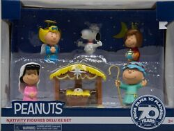Peanuts Nativity Figures Deluxe Set Christmas Snoopy Charlie Brown Lucy Stable