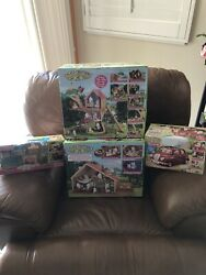 Calico Critters-lakeside Lodgetree House Cherry Cruiser And Deluxe Living Room