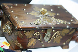 Vintage Handmade Middle East Treasure Coin Jewelry 12 Decor Wood Box Brass Work