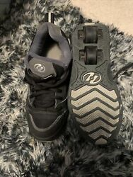 Heely's Mens Size 4 Skate Sneakers