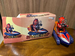 Tin Robot On Moon Rover Spaceship Ms 292 Wind Up Key China Collectible Boxed