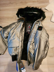 Arctic Bay Inuvik Bomber Big Coyoye And Beaver Fur Made Canada Size S Msrp1295