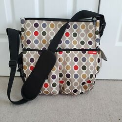 SKIP HOP Duo Signature Messenger Diaper Bag $12.00
