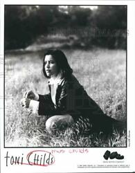 1994 Press Photo Toni Childs, Rock And Pop Singer, Songwriter And Musician.