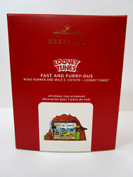 2020 HALLMARK ORNAMENT FAST AND FURRY OUS ROAD RUNNER AND WILE E COYOTE NIB