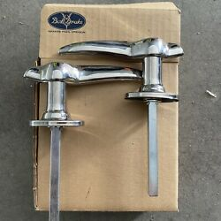 Ford Lh And Rh Outside Door Handle 32 3w Three Window Coupe 33-34 Closed Car