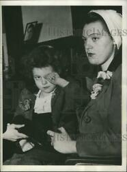 1944 Press Photo Pearl Dalton, Arrested For Ohio Kidnapping, And Nancy Hesler