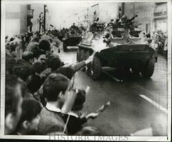 1967 Press Photo East Berliners Wave To Soviet Armored Cars Pass During Parade
