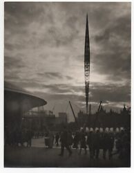 Large 1939 Ggie World's Fair Art Photo Of People At The Fair At Night